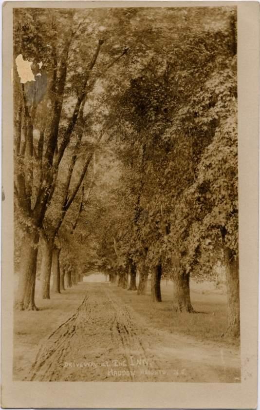 haddonheightsinndriveway-c1905